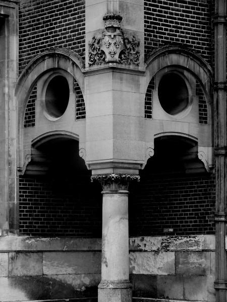 Eu - Château d`Eu (Seine-Maritime - 76260) [2016] (Photo de Didier Desmet) Noir et blanc architecture